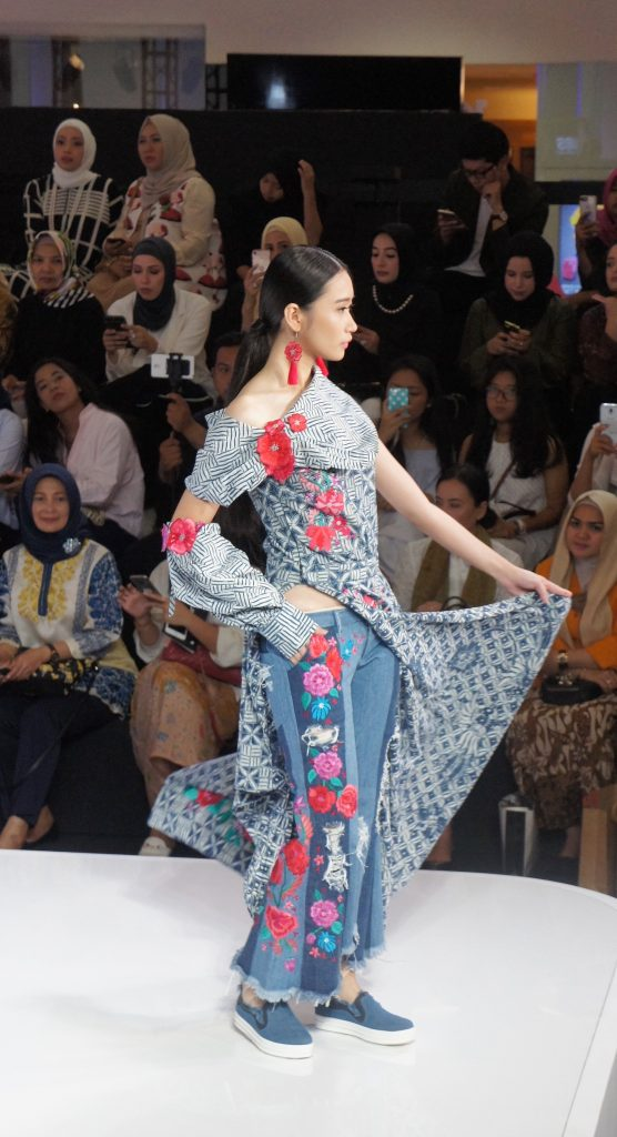 Artina fashion show at jakarta fashion week 2017 angelina evelyn you can check them out at booth fashionlink senayan city 8th floor 23 27 october 2017 or you can simply check their instagram page artinashop and website stopboris Image collections